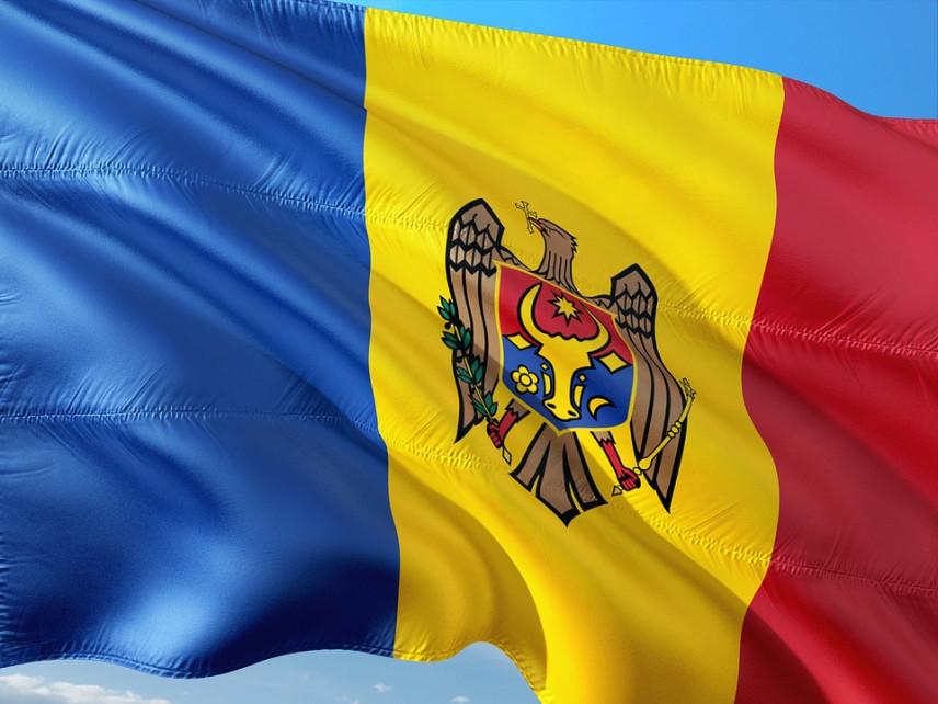 Больше половины госслужащих Молдовы считают, что в стране существует коррупция