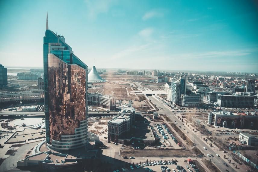 Казахстанским чиновникам вновь хотят запретить иметь счета за рубежом