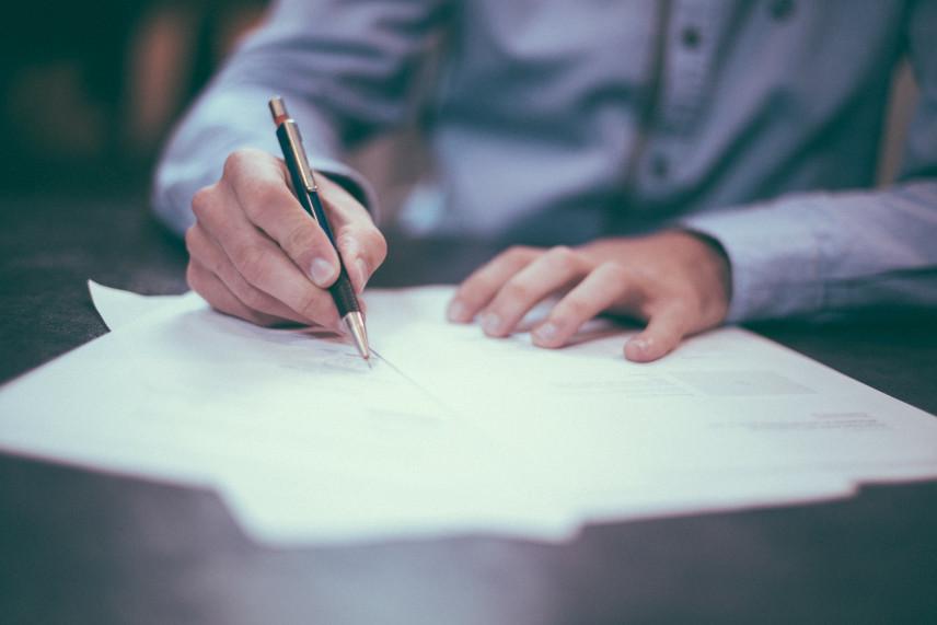 Саратовских чиновников обязали письменно отчитываться о личной заинтересованности