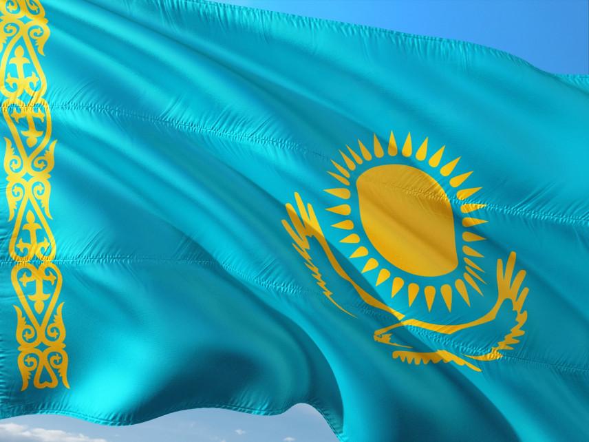 Госслужащих Казахстана, поступивших в Академию госуправления, поздравили коллеги