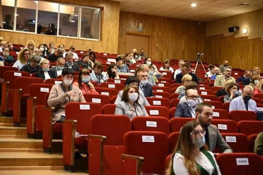 Госслужащие Урала развивают компетенции в области национальной политике