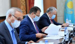 В Казахстане хотят запретить дарить чиновникам любые подарки