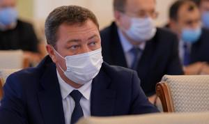 Глава Башкирии поручил ужесточить масочный режим в госучреждениях