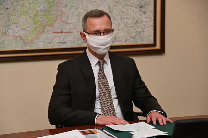 Автомобили правительства Калужской области передали врачам