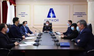 В Казахстане чиновников призвали к скромности