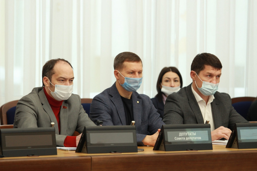 Депутаты Новосибирска предложили мэрии оптимизировать штат муниципальных служащих