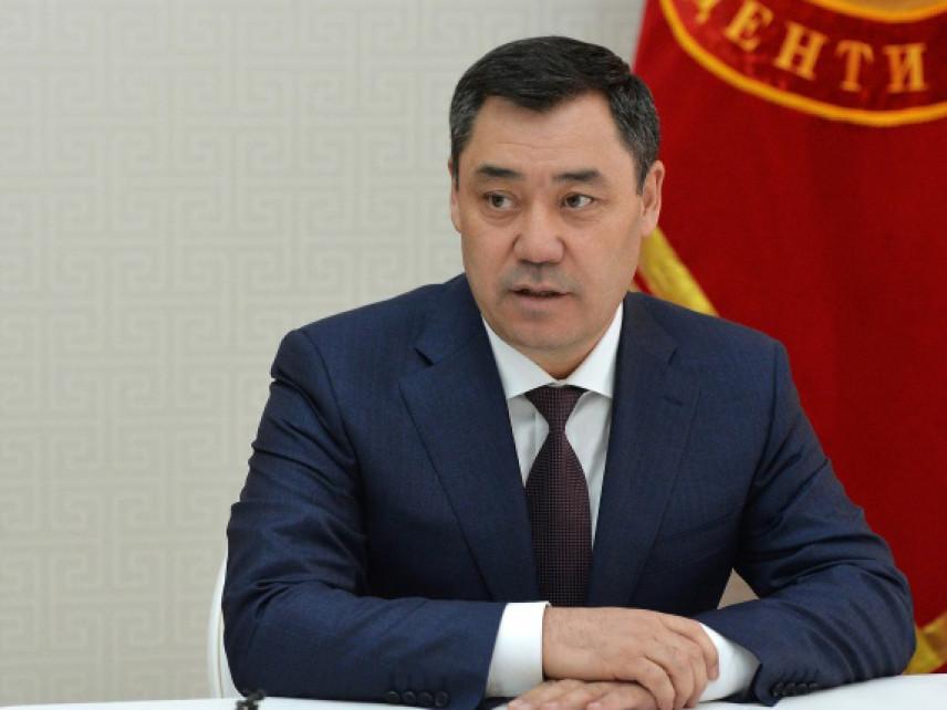 Президент Киргизии против своих портретов в кабинетах чиновников