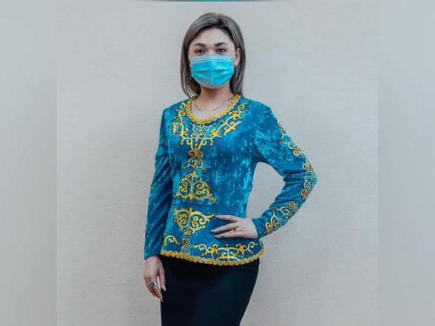 В Казахстане госслужащие сменили костюмы на национальную одежду