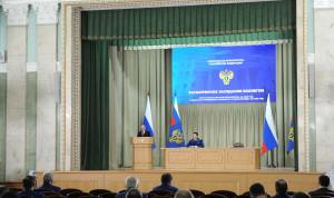 Президент призвал прокуроров уделить серьезное внимание борьбе с коррупцией в 2021 году