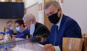 До 20 мая аттестацию пройдет 71 госслужащий Алтайского края