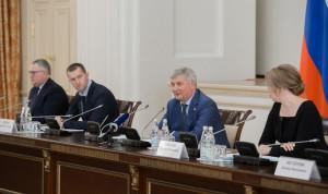 Глава Воронежской области призвал новый состав Молодежного правительства к активному участию в жизни региона