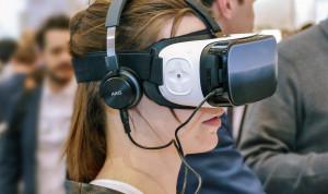 Госслужащие Москвы оттачивали ораторское мастерство на VR-тренажере