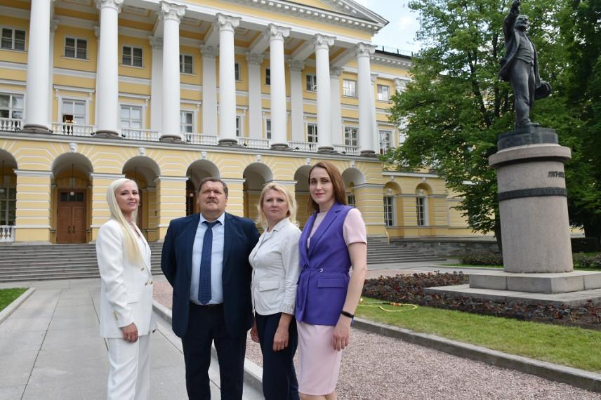 Санкт-Петербург и Алтайский край планируют системное сотрудничество