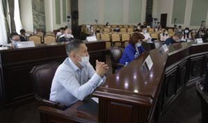 В Якутске повысят зарплату муниципальным служащим