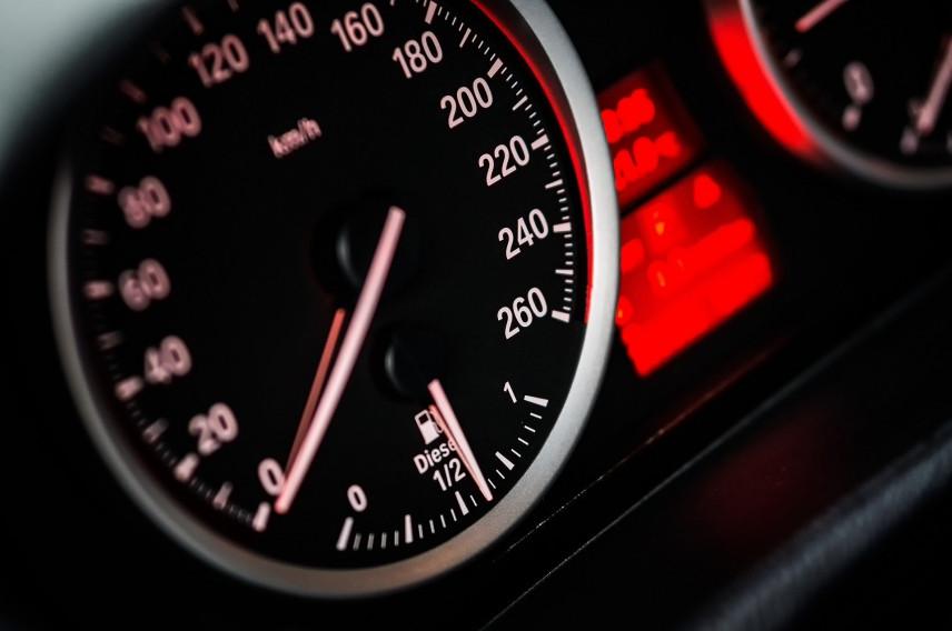 Власти Калужской области для скорой выделят автомобили из автопарка администрации региона